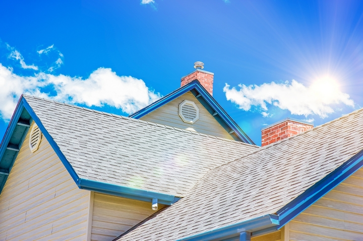 8 Visible Signs It's Time to Call a Roofing Contractor