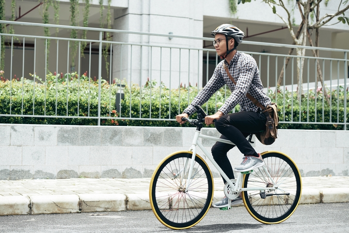 8 Tips & Tricks for How to Wear a Bike Helmet Properly